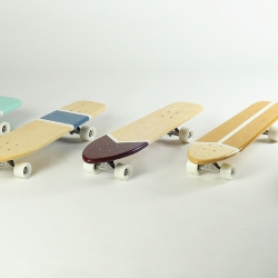 Atypical was born, independent brand created in 2012, specializing in handmade cruiser boards. Unique pieces inspired by the first tables of the Sixties and Seventies.