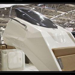Kardis K6. Futuristic semi-rigid boat designed by KEYFRAMEstudio.