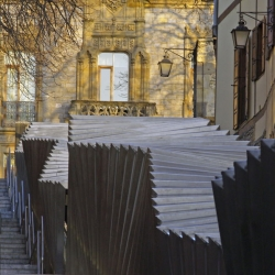 Electric Ramps at the Old Centre by Roberto Ercilla Arquitectura is a dramatic ramp in Vitoria-Gasteiz (Spain), it creates the improvement of the visual impact in the historic district.