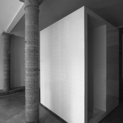 Karin Matz, Francesco Di Gregorio with their soft and effective intervention on the interiors of a private house in Lasagnana, Italy.