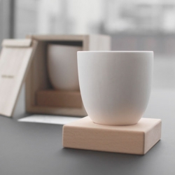 02 Tea Cup by Sung Jang Laboratory is released in limited edition.