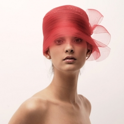 Amazing photography for a hungarian hat designer: Marianne Bara. Beautiful naked model with beautiful hats. Pure and simple.