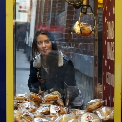 The New York Bakery Co has created the first ever bagel grabber. To give 24/7 Brits a snack on-the-go, the arcade game-like machine was tried out in Shoreditch.