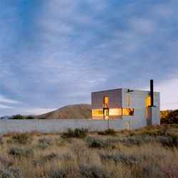 The Outpost, by Olson Sundberg Kundig Allen, is a place for art sited in the sparse setting of central Idaho.