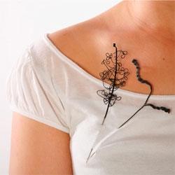 Zoë Newsome interprets the natural into beautiful, wireframe jewelry.