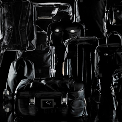 Swiss brand QWSTION presents the Black Collection. Bags for the modern traveler.