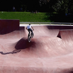 Skatepark in Reims designed by Reims-based Planda and specialist skatepark firm Constructo, it's one of the biggest skateparks in the North East of France at  2055 sqm.