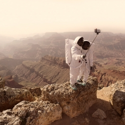 Paris-based photographer Julien Mauve has created a new series of photographs that imagines our first steps on the red planet.