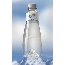 Love the mountain top detail in Lanjaron Water bottles. Designed by Tridimage.