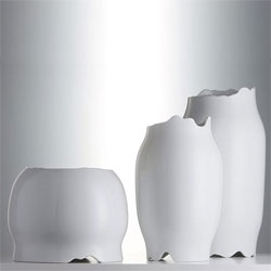 Designboom previews Patricia Urquiola new Purely Porcelain show at London's Design Museum.