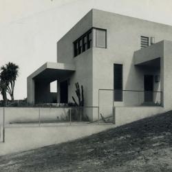 1930s Modernist House in Brazil by Gregori Warchavchik.
