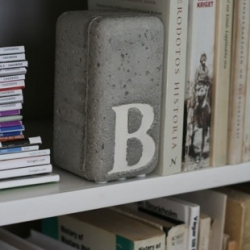 A step by step guide to making these bold concrete bookends from design blog The Beat That My Heart Skipped.