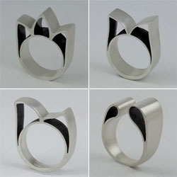 Simple, sculptural Architectonic rings by Mayza João.