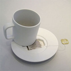 Jonas Trampedach's Tea Bag Coffin - a tea cup that provides a tidy solution for the used teabag.