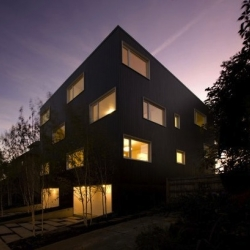 Z-Haus in Portland, Oregon by Atelier Waechter.