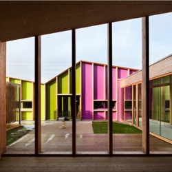 The Epinary Nursery School, a multi-coloured, low-tech zigzagging nursery in Epinay-sous-Senart, France. Nice and simple! By BP Architectures member of Collective PLAN 01.
