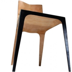 """""""Flitch Chair 1"""" by Californian designer Patrick Lun is mixing up wood and steel for maximal lightness, thinness and resistance."""