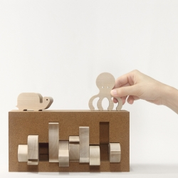 Bleebla adds a new 'Animal Box' to their collection based on the Sea theme - more 10 sycamore wood animals and an agglomerated cork puzzle-box to play with.