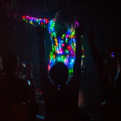 UK electropop artist Little Boots reinvents her live performance with an LED dress that reacts to the beats of the encore.