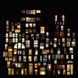 'Tableaux d'intimité' are photographs of NYC, Paris and others cities at night by French artist Anne-Laure Maison.