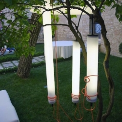 Outdoor hanging light 'Pistillo' by Martinelli Luce.