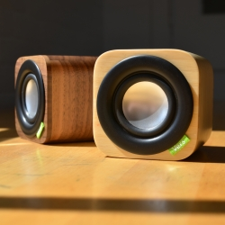 1Q wireless wood sound system by Vers.