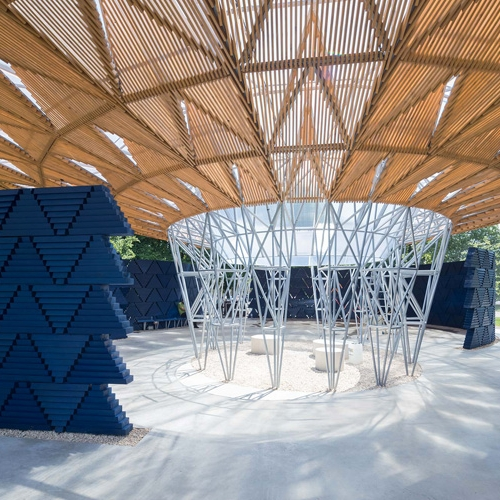 African architectDiébédo Francis Kéréhas unveiled this year'sSerpentine Pavilion,now on display on London's Kensington Gardens.