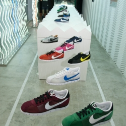 Nike reveals the TPE 6453 Energy Center with Cortez history exhibition. TPE 6453 is a gallery displaying latest technology and the lifestyle from Nike. The best place to catch up the ideas behind the product, and the spirit from the brand.