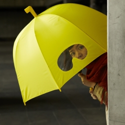 Take a Goggles umbrella and dive into the adventurous world in the rain! From 25togo design.