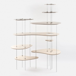 Russian designer based in Saint Petersburg, Lesha Galkin created the shelf system 'Nenuphar'.