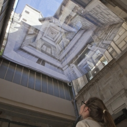 The Canadian graphic designer and video artist Suzanne Thoma and French architect Dominique Jobelot have imagined the installation 'The overthrow of the sky' for the 2012 Festival of Lively Architecture in Montpellier.