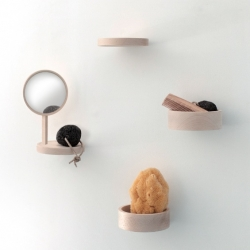 Inga Sempé designed the series 'Balcon' for Moustache. Composed of a small shelf, a storage compartment and a mirror screw, these small pieces of beech and attach on wall to animate, like a balcony on a smooth facade ...