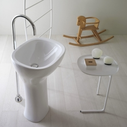 'Affetto Collection' bathroom appliance by the designer Luca Nichetto for Globo.