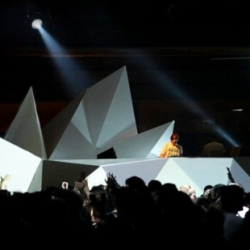 Stage Design & live visuals for the Nuits Sonores in Lyon. Concepts and production by AntiVJ.