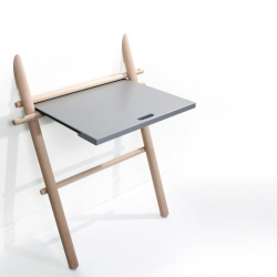 'Appunto' extra table by the French designer Laurent Corio for Eno.