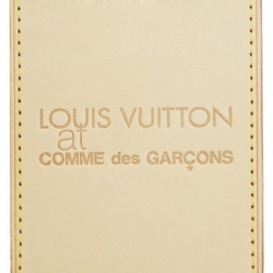 Two of our current Parisian greats have paired up to create a nice little card case, who could resist?