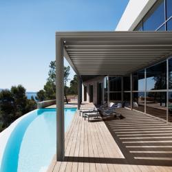 New roof 'BSO & Pergola aluminium Wallis&Outdoor' by Profils Systèmes.