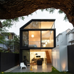 Cosgriff House by Christopher Polly Architect in Sydney, Australia.