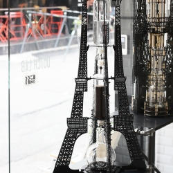 Inspired by the french beauty, the Eiffel Tower, Dutch Lab presents massively detailed Eiffel 2000mL: the cold drip coffee machine.