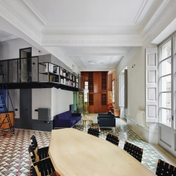 David Kohn Architects won the World Interior of the Year 2013 at the Inside Festival in Singapore, with their refurbishing of the Career Avinyó apartment in the Gothic Quarter of Barcelona.
