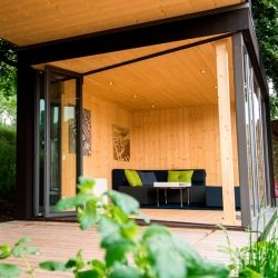 'Friluftsstugan' cottage by designer Svartnäs Johan for Kenjo.