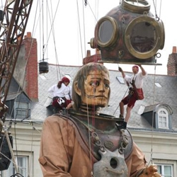 The latest performance by the French mechanical marionette street theater company Royale De Luxe - with some remarkable pictures of their latest creation.