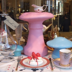 An other PR operation for the Tim Burton's movie.  Alice in Wonder Room in Selfridges & Co in London.