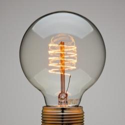 Manufactum Globelampe Spiralfaden ~ gorgeous filament in this light bulb