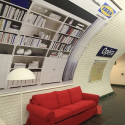 Chilling in the parisien subway ~ IKEA style.