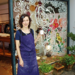 """Nathalie Lete painted on walls and windows in the shop """"Usagi pour toi"""" in Tokyo for 2 days."""