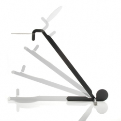 Gru, entirely two-dimensional, and made with a material never before used to design a lamp: vetronite.