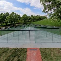 Robert Morris' Glass Labyrinth, Kansas City