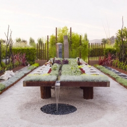 Future Feast : A Hybrid Between Your Garden and Your Patio Table Suzanne Biaggi of Sculptural Landscapes in California.