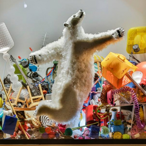 On the occasion of 2017 Milan Design Week, artist Paola Pivi puts her famous feathered bears inside the windows of la Rinascente department store.